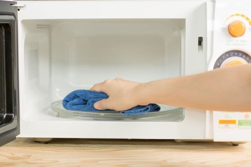 The Easiest Way To Clean A Microwave — Plus More Kitchen Cleaning Tips
