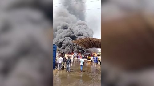 Massive fire breaks out at scrapyard in Southern India
