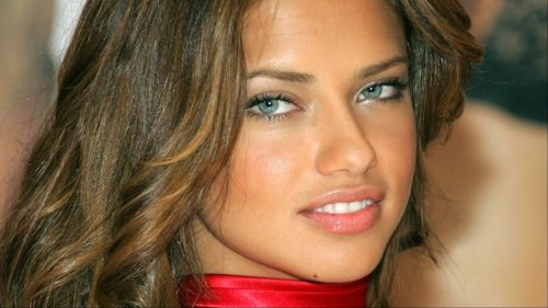 Adriana Lima's Transformation Is Seriously Turning Heads