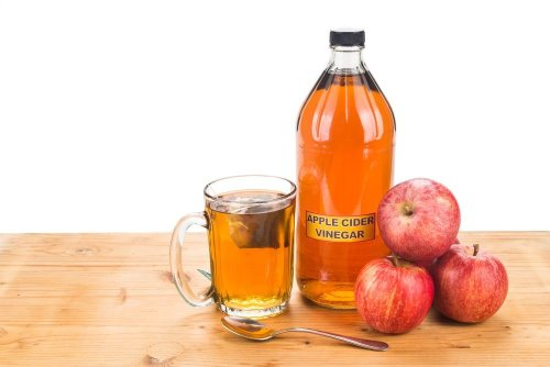 8 Ways Apple Cider Vinegar Can Be Used at Home — Plus Other DIY Home Hacks