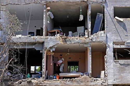 Le immagini degli attacchi a Gaza