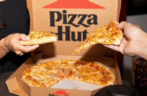 It's Obvious Why Pizza Hut Is Disappearing Across The Country