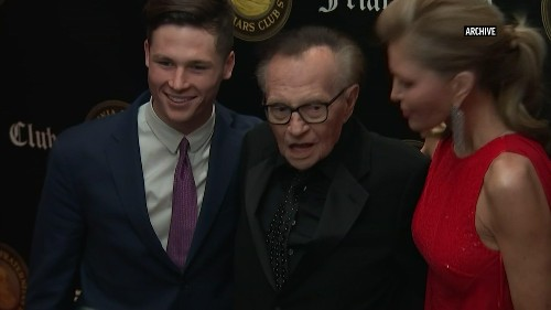 Tributes paid to broadcasting 'legend,' Larry King