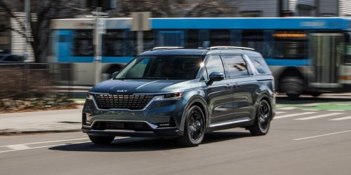 Tested: 2022 Kia Carnival Fancies Up the Minivan