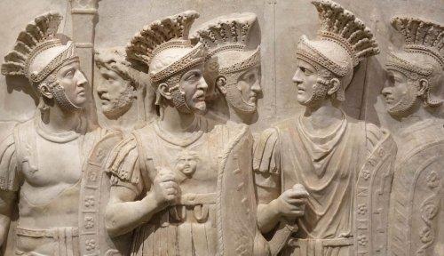 The Praetorian Guard: Controlling And Killing Roman Emperors