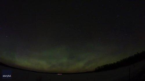 Stunning Timelapse Captures Aurora Borealis Over British Columbia