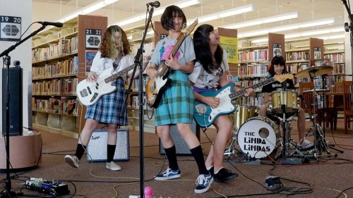Your favorite rockers are going wild for punk's viral darlings The Linda Lindas