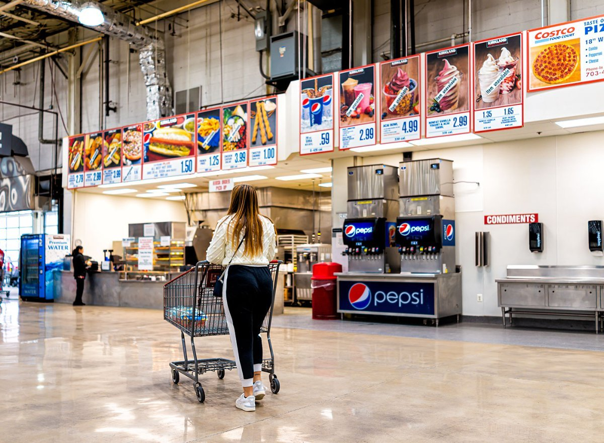 The Worst Items to Order Off Costco's Food Court Menu (and the Best)
