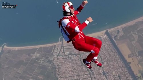 World Champion Skydiver Freestyles During Fall