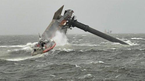 6 Rescued From Capsized Boat Off Louisiana Coast