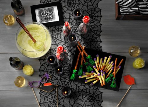 How to Plan the Spookiest Halloween Party