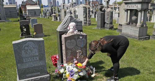 U.S. drug overdose deaths soared to record 93,000 in 2020