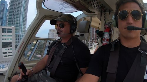 Miami Pilots Fly Beautiful Girls in Helicopter