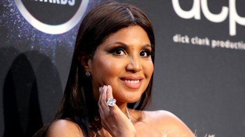 Toni Braxton sets Internet ablaze with bald head and fit physique on Instagram