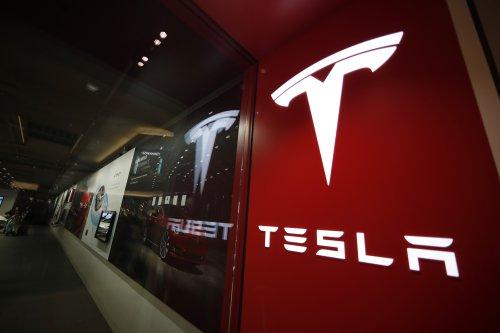 NTSB to investigate Tesla crash in Florida that left 2 dead
