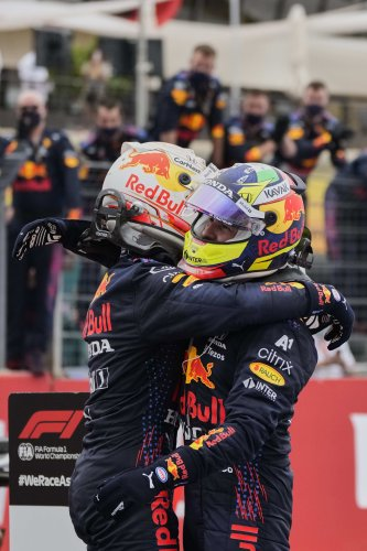 F1 leader Verstappen wins French GP ahead of rival Hamilton