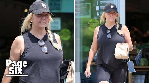Heather Locklear goes makeup-free while grabbing a bite to eat