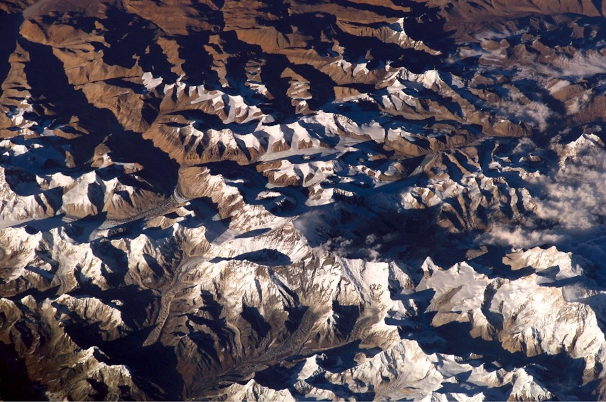 'Mountains' taller than Everest lurk inside Earth–and 4 more captivating stories