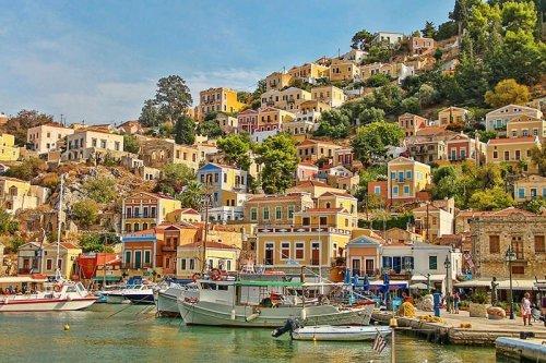 MOST BEAUTIFUL GREEK ISLANDS TO VISIT