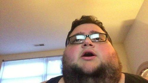 """Jon Sudano hizo un cover a """"Despacito"""", se convierte oficialmente en la persona más importante del 2017"""