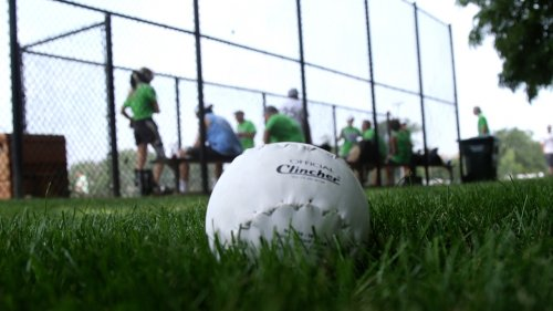 Chicago's 16-Inch Softball Returns To Public Parks After 10 Years
