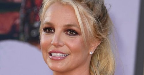 Britney Spears wore the bikini trend fashion girls are obsessed with