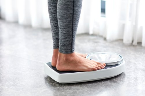 How to Stop Gaining Weight: 40 Expert Tips