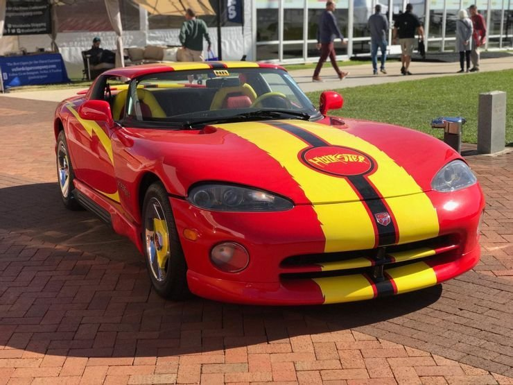 5 Celebrity Supercars Ruined With Hideous Mods (5 That Are Actually Sick)