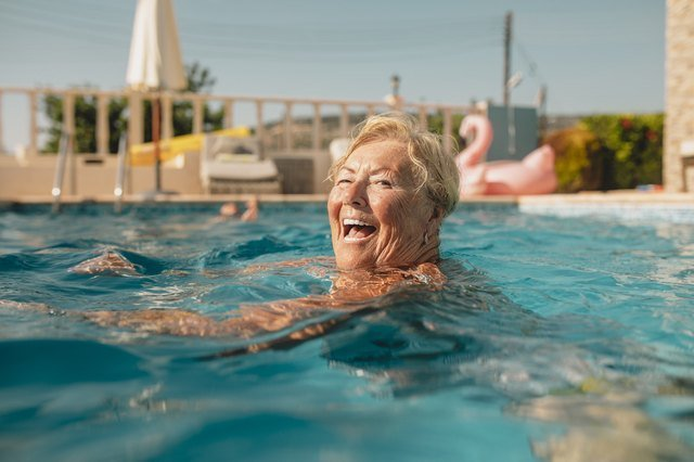 You'll Be Surprised How Many Calories You Can Burn Treading Water