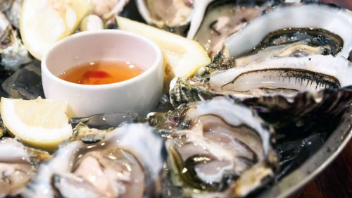 Fact or Fiction: Raw Oysters Are Safe to Eat Every Month of the Year