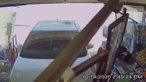 Car Crashes Into South Windsor 7/11