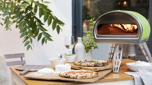 Everything you need to know and buy to make your own pizzas this summer