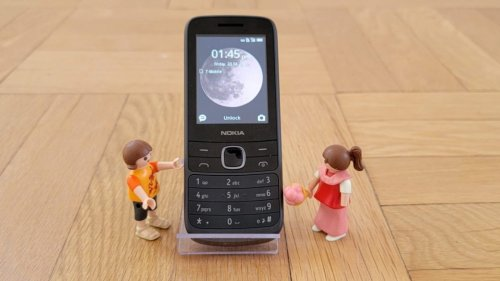 Feature Phones: The Best Simple, Affordable Options on the Market