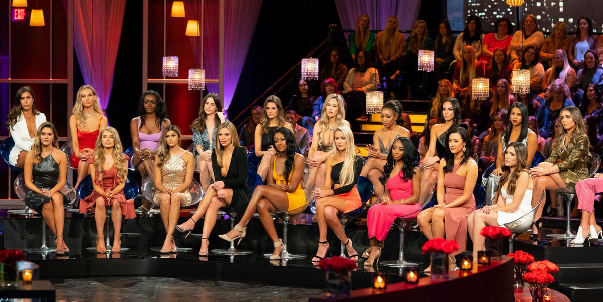 Canada's Bachelor In Paradise Cast Revealed & Many Of Them Are From Ontario