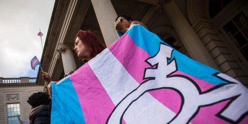 5 ways to handle everyday gender dysphoria