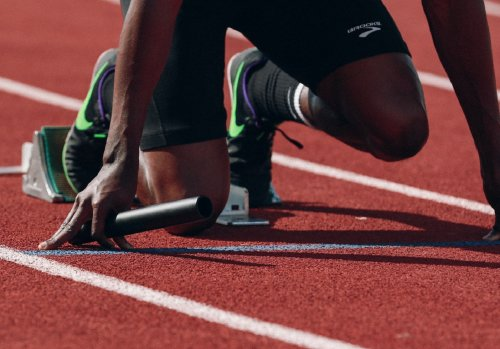 Which lane has the advantage in Olympic track?