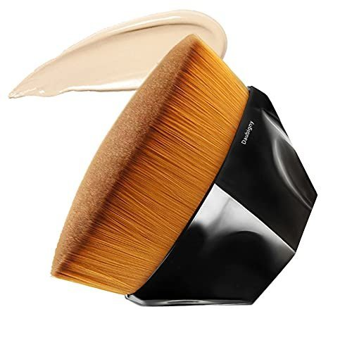 Kabuki foundation makeup brush