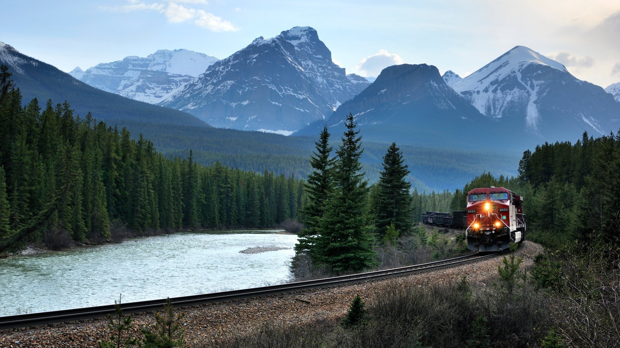 Meet the U.S. Tourists Who Only Travel by Train