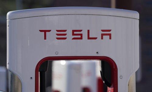 Tesla reaches milestone with first $1B quarterly profit