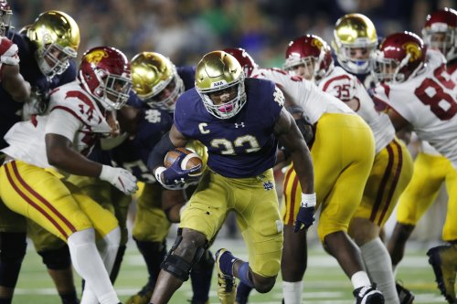 How Notre Dame's smashmouth run game works