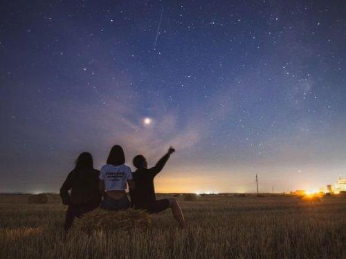 Une pluie d'étoiles filantes va s'abattre sur le Québec ce mois-ci