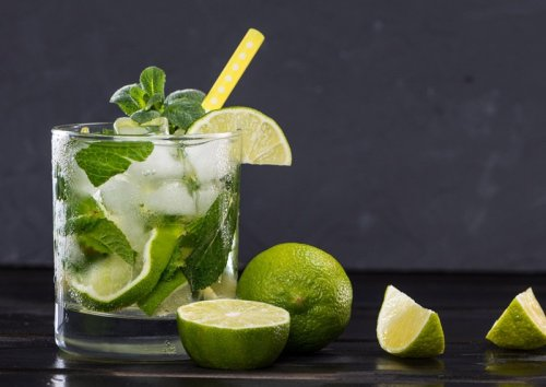Happy Hour at Home with Low Carb Cocktails and Drinks