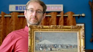 Antique Shop Owner Discovers a Customer's Painting Bought at Flea Market Was Once Stolen From a Museum