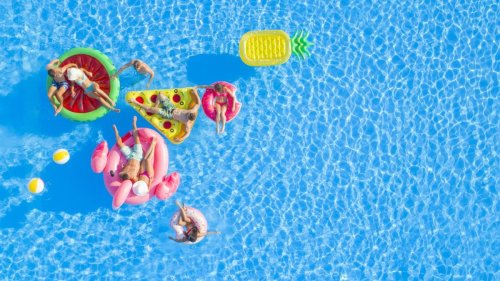 How To Rent Someone's Pool This Summer & Other Life Hacks
