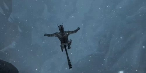 """Skyrim Player Leaps Off Cliff To Prove Khajiit """"Always Land On Their Feet"""""""