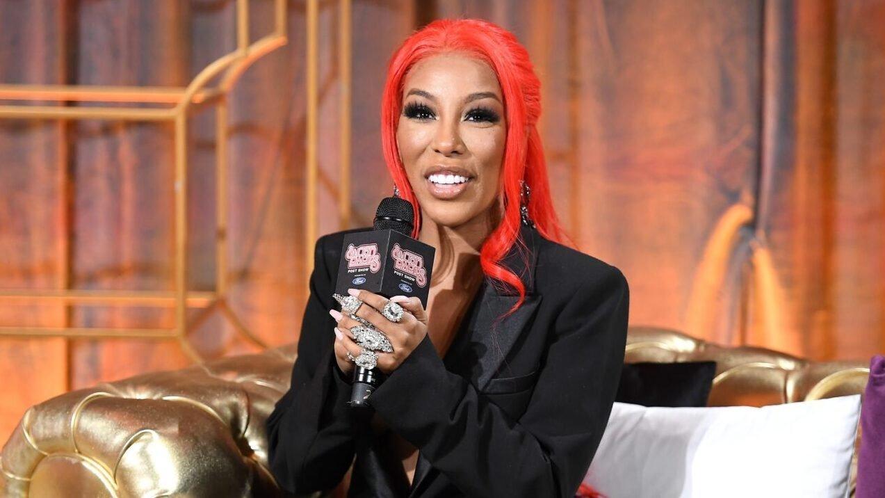 Black Twitter erupts after singer K. Michelle shows 'unrecognizable' new face
