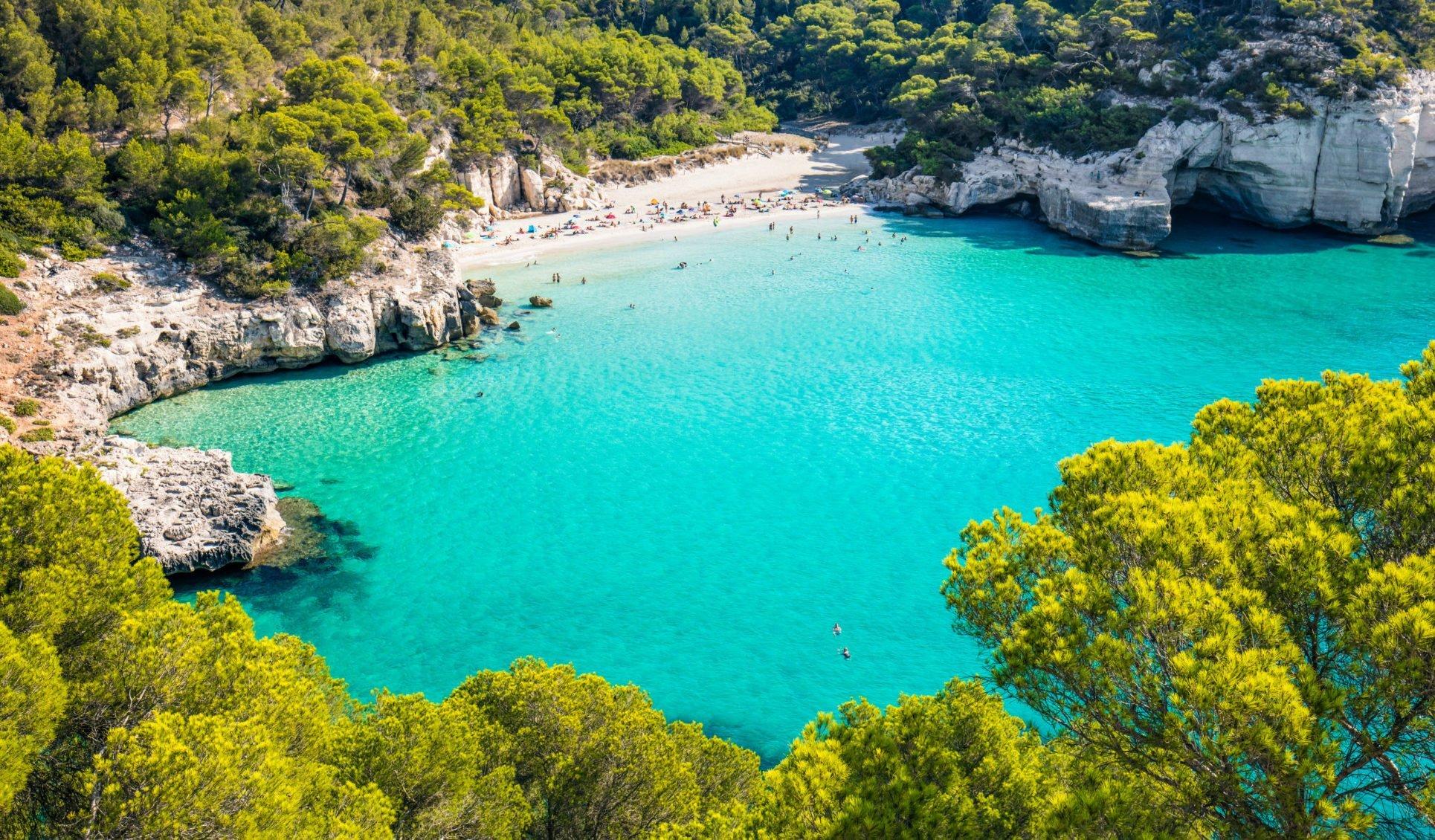 Menorca - die grüne Baleareninsel erkunden
