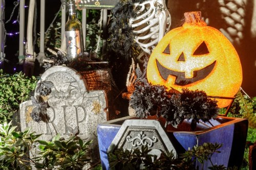 Amazing Halloween Decorating & Party Ideas