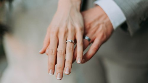 Study Proves Women Benefit From Multiple Marriages but Men Don't