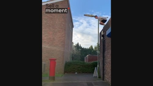 Fearless Guy Jumps From Roof to Mailbox